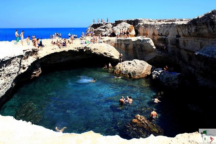 Grotte della Poesia, la piscina naturale del salento