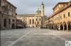 Piazza del Popolo, la piazza che racchiude la storia di una città