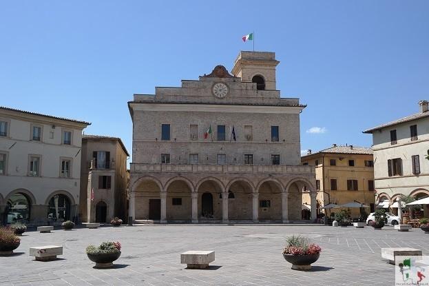 palazzo comunale Montefalco