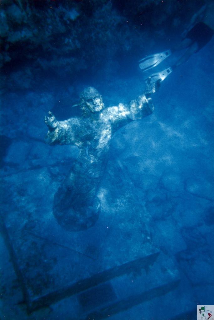 Il Cristo degli Abissi, un tesoro sommerso nella baia di San Fruttuoso