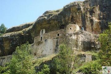 Eremo di San Bartolomeo, la storia raccontata dalla pietra