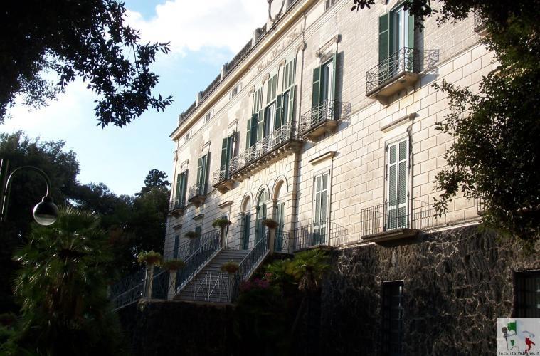 Villa Floridiana, sito storico e polmone verde nel Napoletano