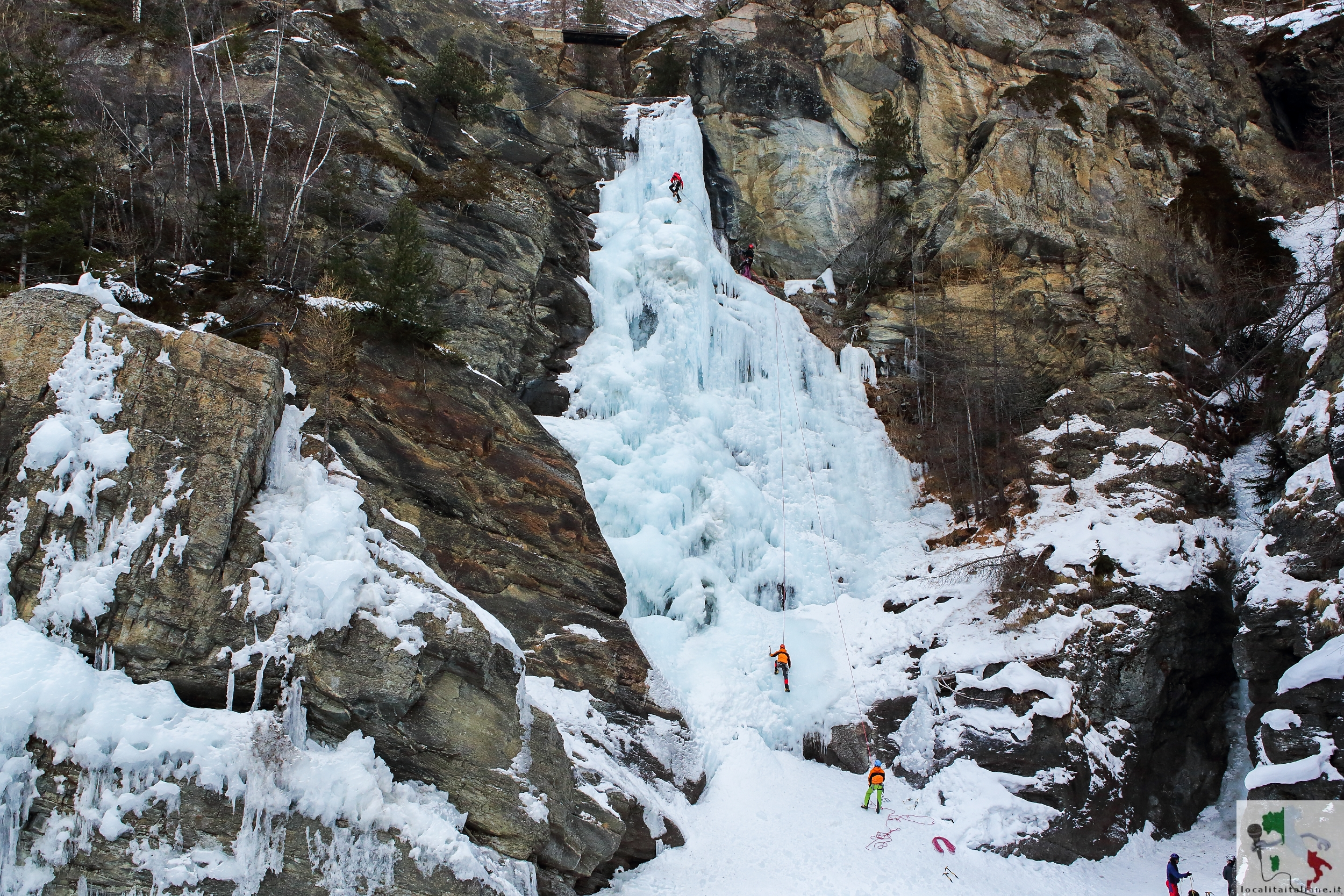 Lilliaz cascata ghiacciata