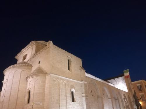 cattedrale sera barletta
