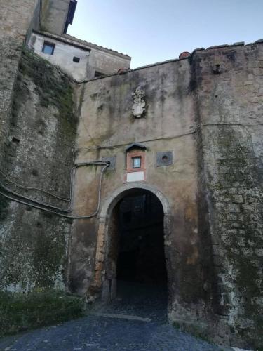 calcata-entrata