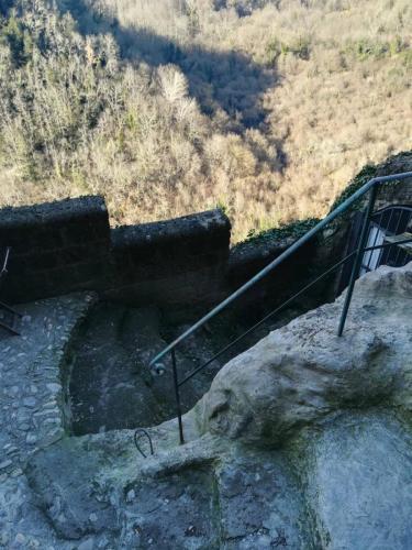 calcata-scalinata