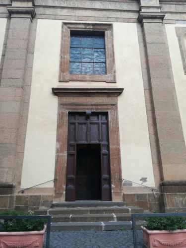 Entrata Chiesa Frascati