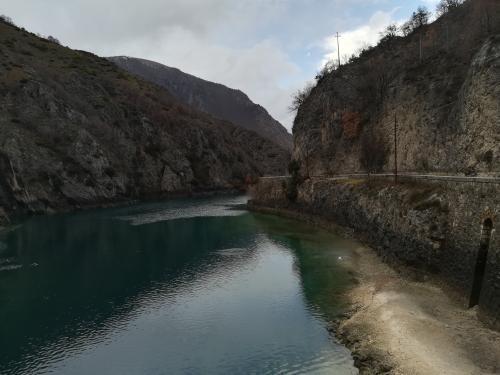 lago di san domenico vista ponte