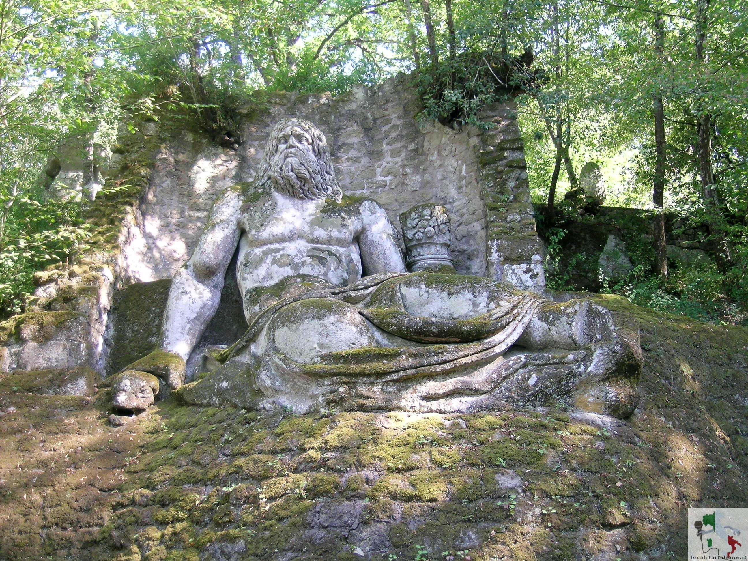 statua del parco dei mostri